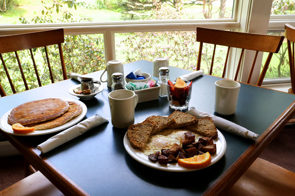 A homemade Vermont breakfast is ready for you to eat.